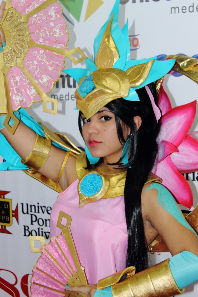 Comic Con Medellín - Karma Order of the Lotus Cosplay - League Of Legends