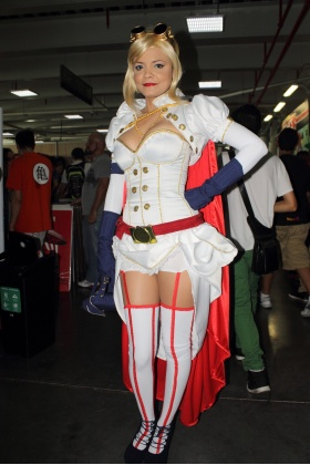 Comic Con Colombia - Cosplayer Power Girl Steampunk - Medellín