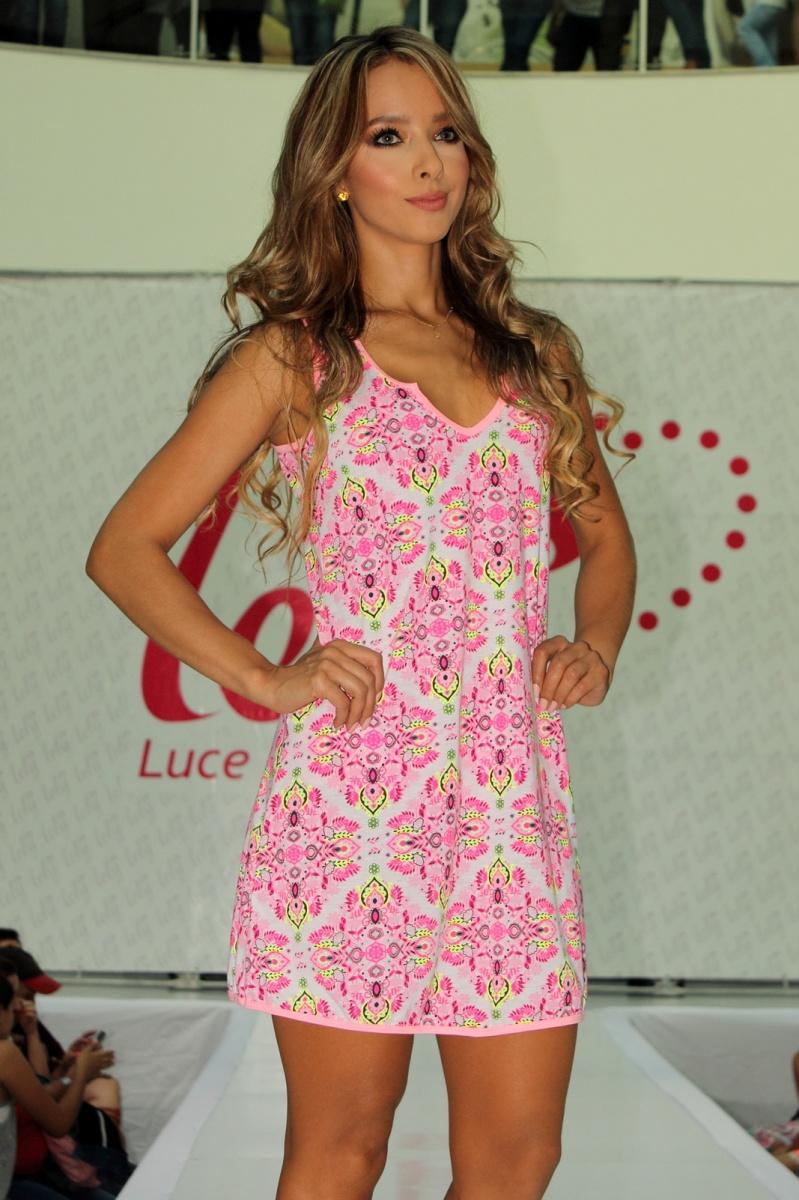 Sandra herrera modelo colombiana desfile ropa interior for Ropa interior de colombia