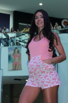 Modelo Lely - Pijama Short Rosa