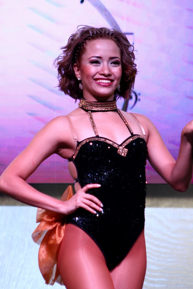 Encuentro Internacional de Salsa - Bailarina de Salsa - Traje Negro - Medellín