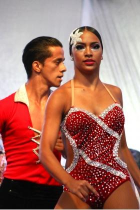 Pareja de Baile de Salsa - Medellín