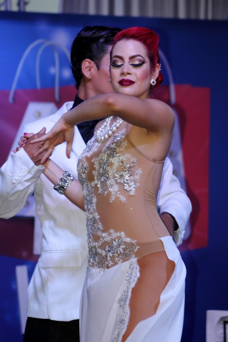 Expresiones Artísticas - A Puro Tango Medellín - Bailarina