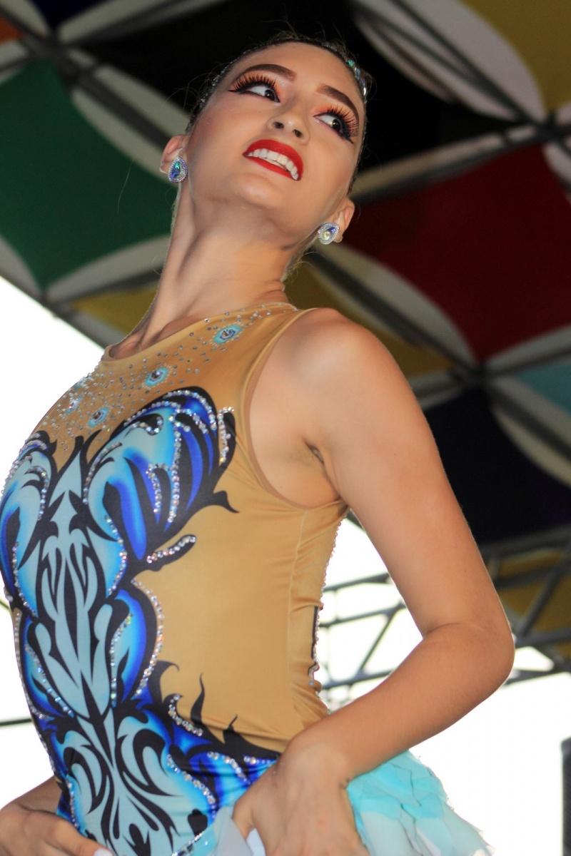 Expresiones Artísticas - Bailarina de Salsa - Medellín