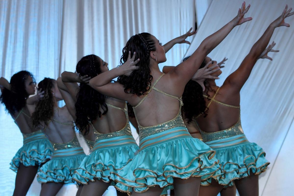 Expresiones Artísticas - Medellín - Bailarinas de Salsa