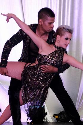 Pareja de Baile - La Salsa se toma Medellín