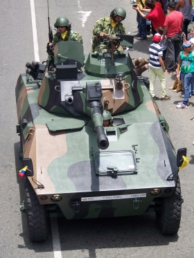 Blindado Cascavel - Desfile Autos Antiguos