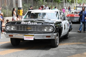 Desfile Autos Antiguos - Chevrolet Malibú 1964