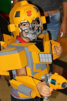 Bumblebee Transformers Cosplayer - Medellín