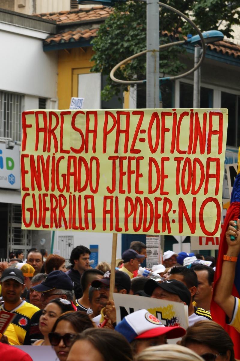 Marcha Abril 2 Medellín - Farcsa Paz - Colombia