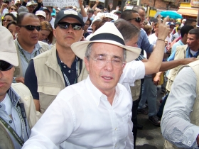 Álvaro Uribe Vélez - Marcha - Agosto 7 de 2015