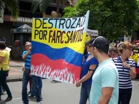 Colombia destrozada por Farc-Santos