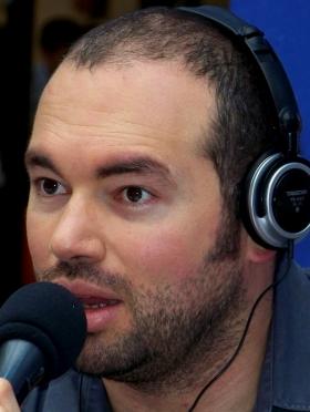 Santiago Cruz - Cantautor y artista Colombiano