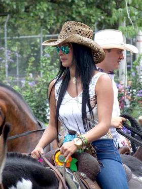 Feria de las Flores - Mujer Caballista Colombia
