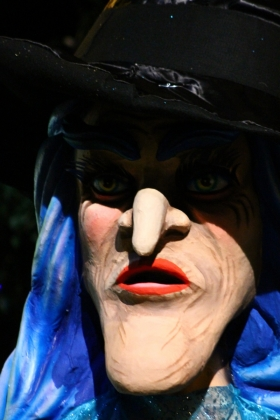 Desfile Mitos y Leyendas - Bruja - Medellín