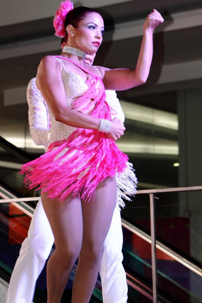 Expresiones Artísticas - Ballet Nacional El Firulete - Pareja de Baile - Medellín