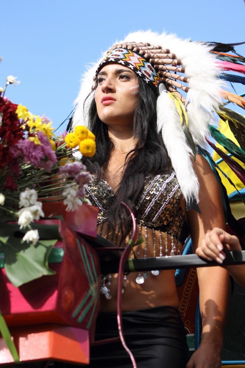 Feria de las Flores Medellín - Desfile de Silleteros - Carroza Dulce Jesús Mío