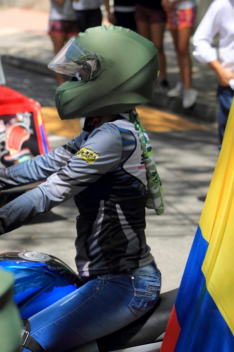 Urbano - Héroes de Colombia - Desfile Motociclístico