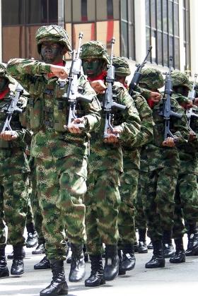Soldados Desfile 20 de Julio - Medellín