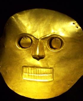 Máscara de oro - Museo del Oro - Bogotá - Colombia