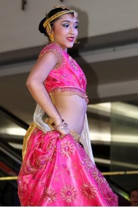 Bailarina - Danza Árabe - Ballet Nacional El Firulete - Medellín