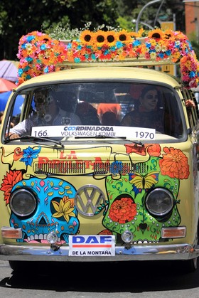 Desfile de Autos Antiguos - Medellín
