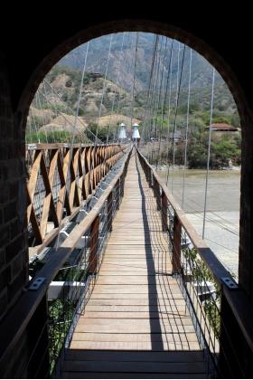 Puente de Occidente - Paso Peatonal - Santa Fe de Antioquia